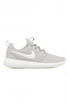 844931 WMNS ROSHE TWO